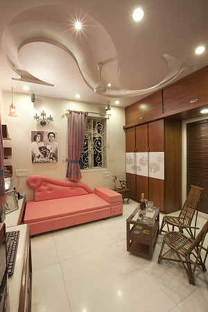Personal motifs to dress up a home
